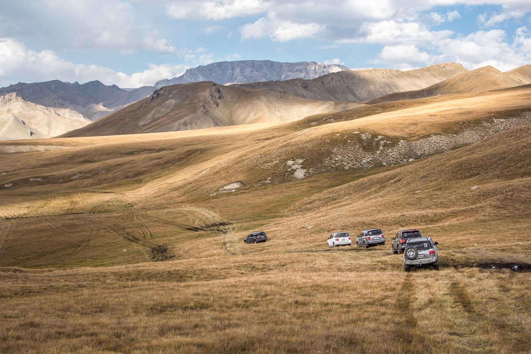 Kyrgyzstan 4x4 rentals iDrive 4x4